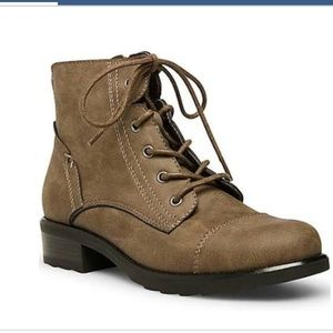 Madden Girl Darria boots